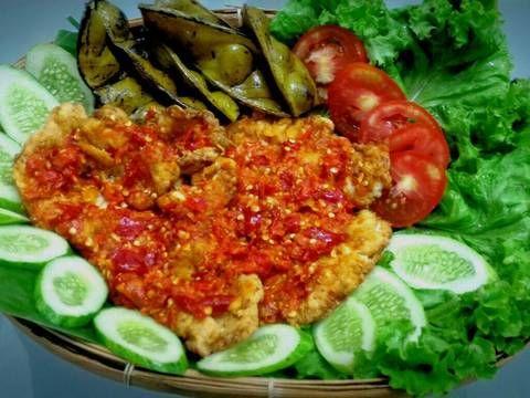 Resep Ayam Geprek Geledek Ala Bensu Oleh Shirley Wijaya Resep Resep Ayam Makanan Masakan