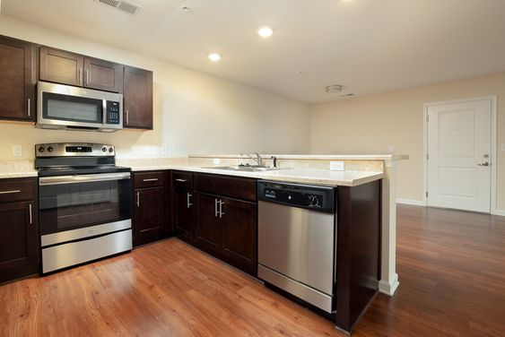 See All Available Apartments For Rent At Sunset Creek Apartments In Hampton Va Sunset Creek Apartments Has Rental Apartments For Rent Apartment The Hamptons