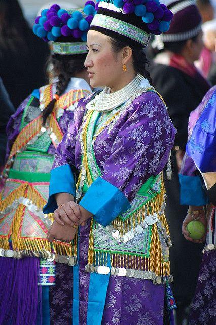 Hmong Porno 12