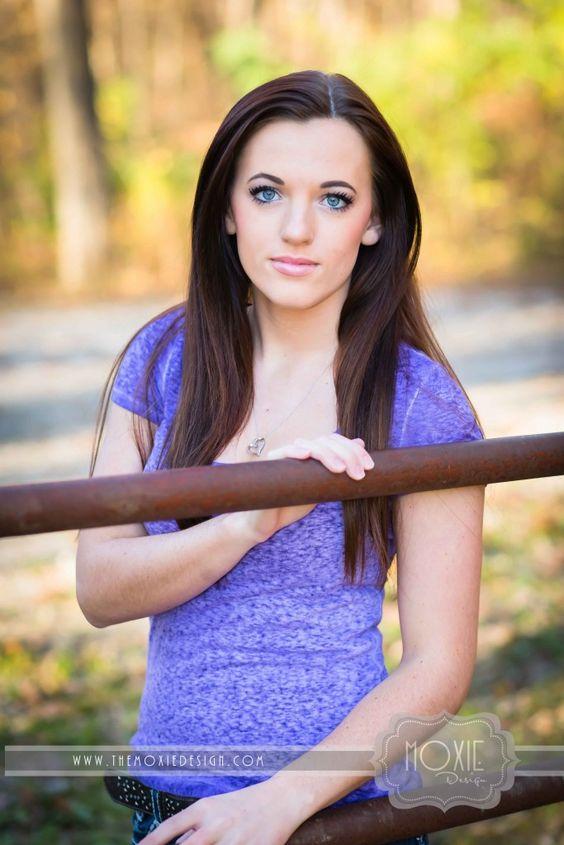 Quad City High School Senior Portraits | Brianna's Fall Session - Quad Cities Senior Photographer | Moxie DesignQuad Cities Senior Photographer | Moxie Design