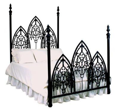 Picture and Elven princess, draped gracefully over this bed in a long gown. Yes, it is awesome.