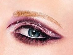 Purple eye make-up