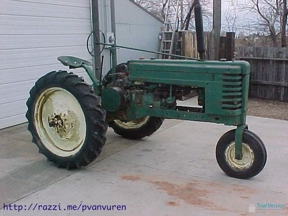 """Antique Unstyled """"A"""" John Deere Tractor"""