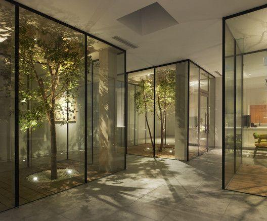 Gallery Of Bmlz Villa Office Tsutsumi Associates 9 In 2020 Atrium House Indoor Garden Rooms Dream Home Design