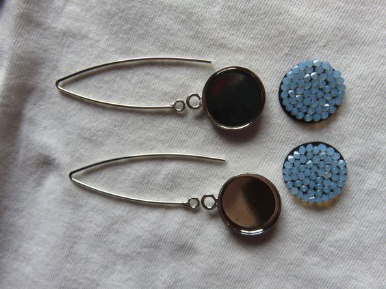 """Kit facile """"DIY"""" pour boucles d'oreilles pendantes crystal rock swarovski avec harpon 20mm bleu : Kits, tutoriels bijoux par fais-le-toi-meme"""