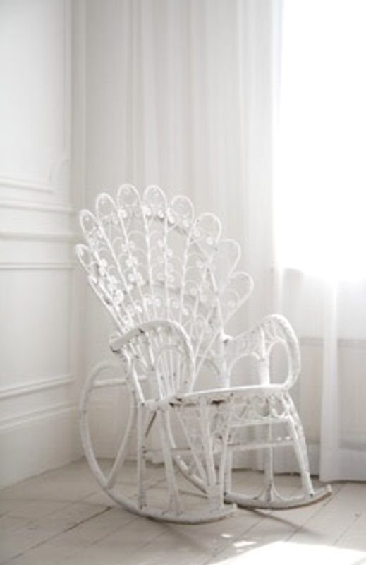 blanc white wicker rocking chair furniture tidbits. Black Bedroom Furniture Sets. Home Design Ideas