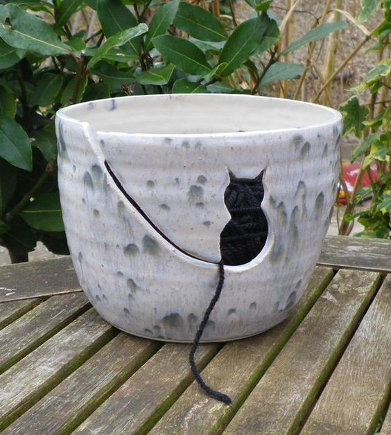 Yarn bowl knitting or crochet wool cat ceramic pottery ceramics handthrown  £19.99: