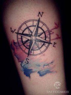 A tatuagem de rosa dos ventos e seu significado | www.tattooweb.com.br