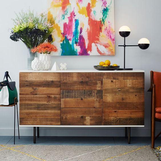 Recouvrir les portes d'un buffet BESTÅ avec des planches de chantier: L'effet est bluffant!