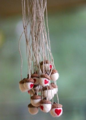Acorn crafts fall autumn projects and ideas acorn for Acorn necklace craft