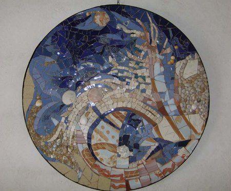 """""""La mer"""" D.60cm Marbres, galets, coquillages, tessons poterie et verre, émaux"""