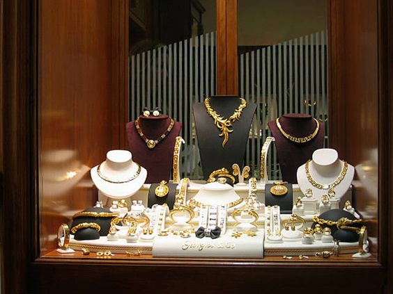 window display for jewellery shop c utare google
