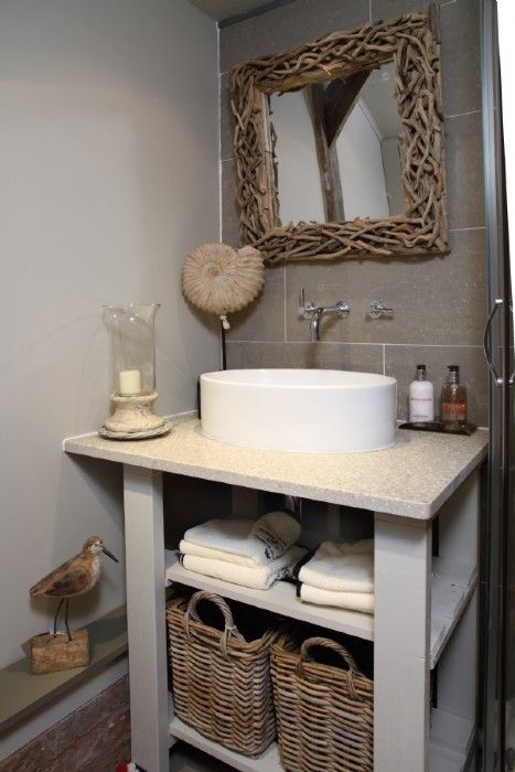 Adorable little bathroom in turtledove cottage that would for Country cottage style bathrooms