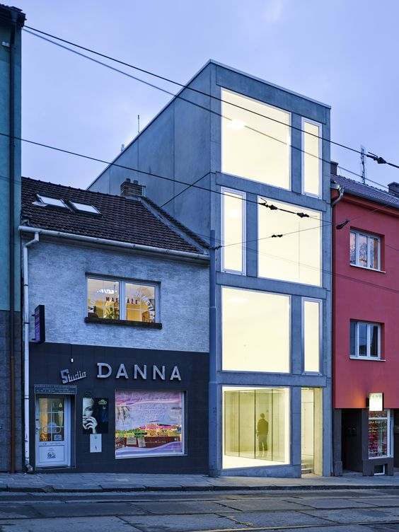 Image 7 of 36 from gallery of Mixed Use House  / Makovský & partners. Photograph by Manfred Seid