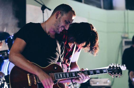 Gianluca Del Fiol - Maurizio Pirovano, La pelle racconta. Concerto in favore delle persone terremotate, Cisano Bergamasco (BG). Fotografie di Chiara Arrigoni. #lecco #rock #music #mauriziopirovano #gibson