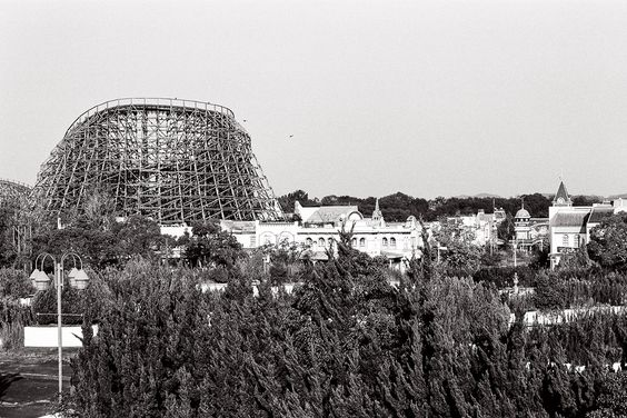 Take a tour of the derelict Nara Dreamland – a theme park that has been effectively abandoned since the summer of 2006.