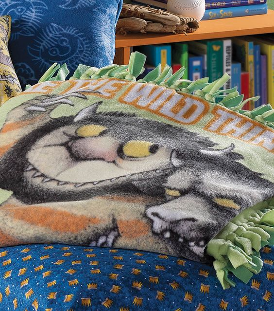 This easy no-sew Where the Wild Things Are blanket is so adorable!