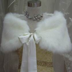 fur stoles for winter wedding