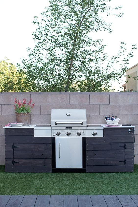 of this backyard makeover designed by Caitlin Ketcham of Desert