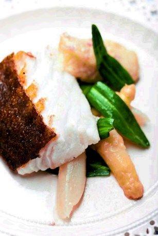 Recept van de dag: Op vel gebakken kabeljauw met witte asper... - Het Nieuwsblad: http://www.nieuwsblad.be/cnt/dmf20110528_082