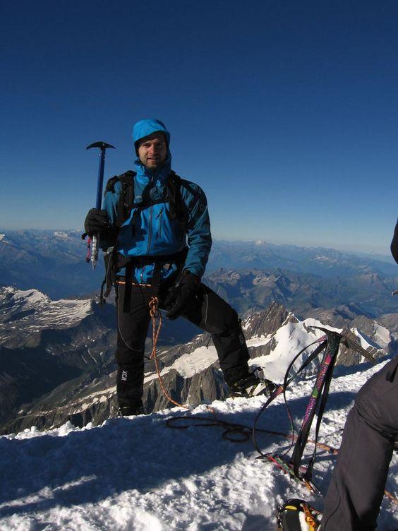 Meine Norrona falketint Gore-Tex Jacke begleitet mich schon seit vielen Jahren überall hin. So wie hier auf den Gipfel des Mont Blanc. Eingereicht von Andy K.