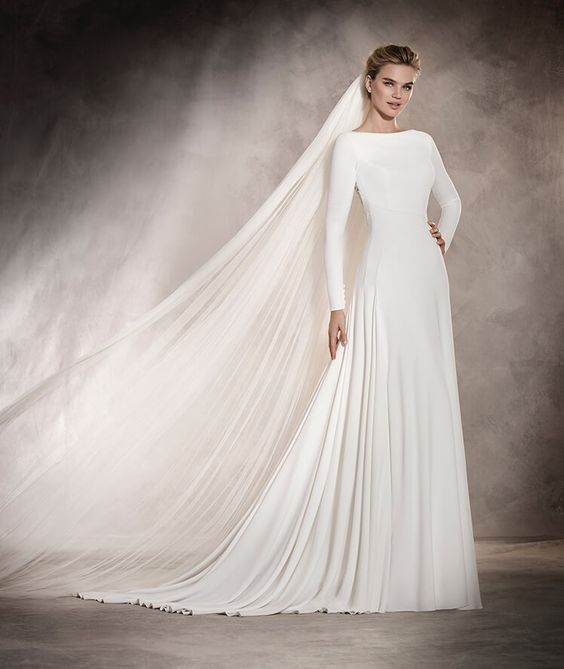 Pronovias 2016 Collection (Anabelle). 6 tips prácticos para elegir tu vestido de novia.