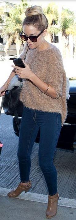 Lauren Conrad: Purse – Chanel  Shoes – Lauren Conrad  Sunglasses – Emmanuelle Khanh