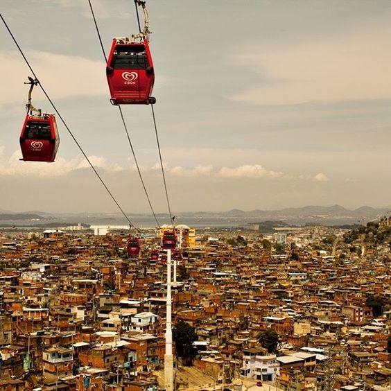 Hoje o Rio de Janeiro completa 451 anos e há 30 deles a Trip conta histórias sobre os personagens da cidade maravilhosa. Relembre as matérias mais cariocas em nosso site. O link está na Bio.  #Rio451 #Trip30anos Fotos: Thelma Vilas Boas