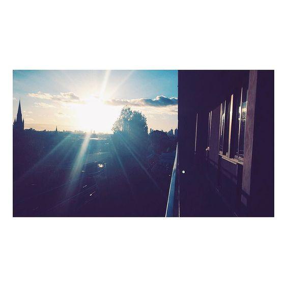 #travel#studyabroad#melbourne#melbournebound#australia#oz#downunder#study#uni#students#aussie#adventure#again#love#happy#wanderlust#residence#swinburneuni#sunset#skyline#university#studentenleben#auslandssemester#exchange#sun by jasmin_rrrr