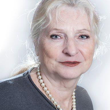 Christine Ellger   Manipulations de photos incroyables de Christine Ellger Christine Ellger est née en 1948 en Allemagne.Après des études en gestion, elle travaille au centre de coordination des technologies de l'information de la
