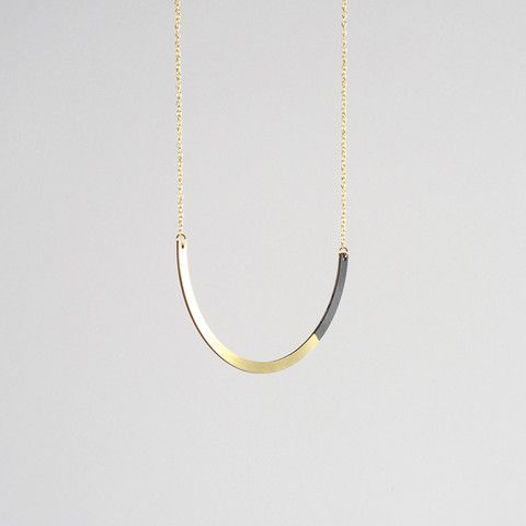 Form Circle Necklace Brass & Black
