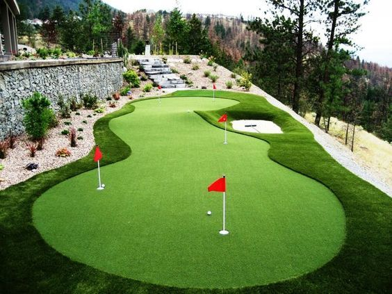 Pricing Factors To Consider While Installing Golf Green Grass Backyard Putting Green Green Backyard Golf Putting Green
