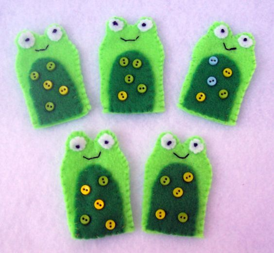 """Five little speckled frogs sitting on a hollow log...""   Cute!!!    Five Little Speckled Frogs Felt Finger by LittlePiecesQuilts, $15.00:"