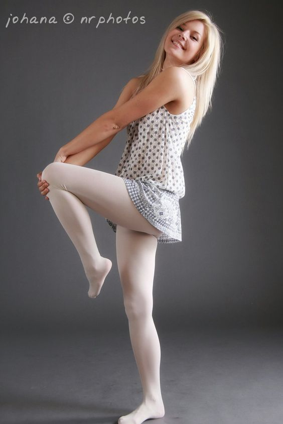 Blogs Teen Pantyhose Model Plays 49