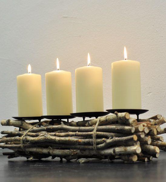 Klassische Deko Weihnachten Kerzen Girlanden Lichterkette Baum schmücken