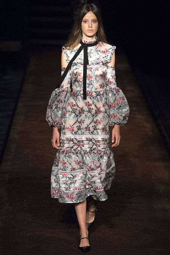 Fashion trends for 2017 - Victorian Trend Erdem Spring 2016 Rtw Fashion Trends