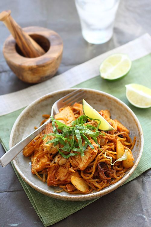 Indian Mee Goreng Recipe (Indian Fried Noodles)   Recipe ...