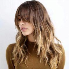 Tagli di capelli lunghi scalati 2017