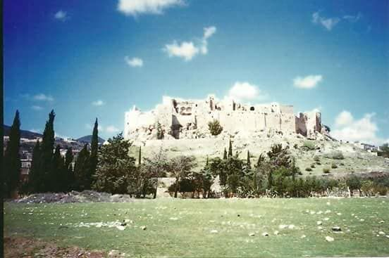 قلعة مصياف تصوير بسام خضير Monument Valley Natural Landmarks Mount Rushmore