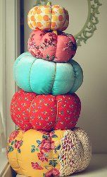 Fabric Pumpkins!    I think my daughter and I can pull this off - i even have doilies from my grandmother i can use!