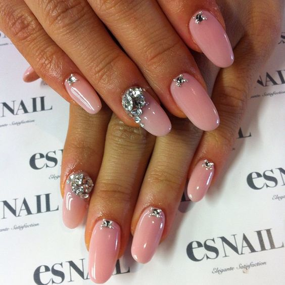 esnail_la if i lived in LA i would be at this nail salon all day long #beseenin2015 #shopakira love this color #gems