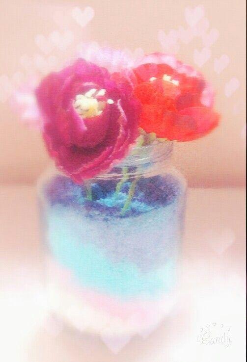 Vasinho super fofo e pratico Para fazer só precisa de um vidro, sal, corantes e flor artificial✂✏