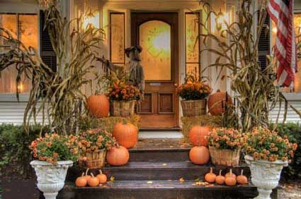Looking for fun but classic outdoor decor for the fall. I love this mix of pumpkins and mums for an area with stairs.: Fall Decoration, Fall Front Porch, Front Porche, Fall Porch, Fall Decorating, Autumn Porch, Fall Idea