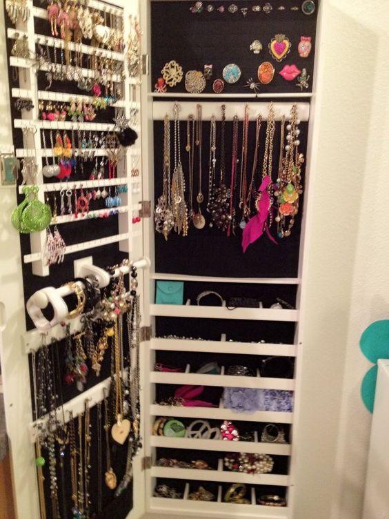 jewelry organization:
