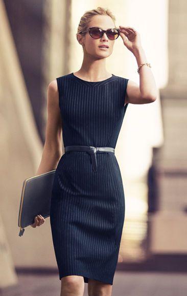 Pouzdrové šaty - základní kousek elegantního stylu, preferovaný u žen v mnoha zaměstnáních.: