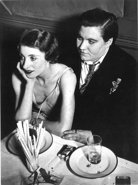 Brassaï, Lesbian couple at The Monocle, c.1932