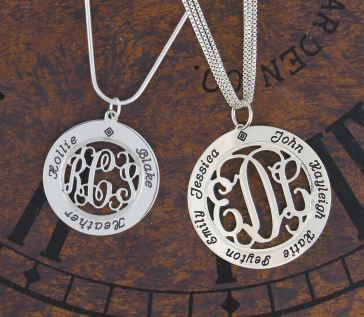 Jewlery: Gift Ideas, Child Names, Mother S, Mother Day Gifts, Children Names, Kid Names, Monogram Necklace, Carolina Clover