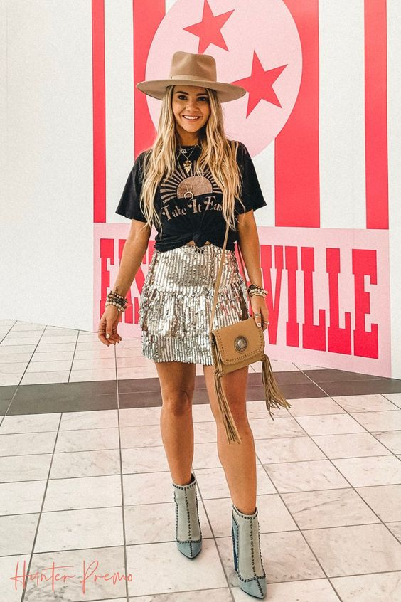 Sequins mini skirt, printed tee, booties and hat. Shop my Summer Outfit. Hunter Premo Nashville Style. #HunterPremo #NashvilleStyle #Shopmyoutfit #Sequins #Nashville