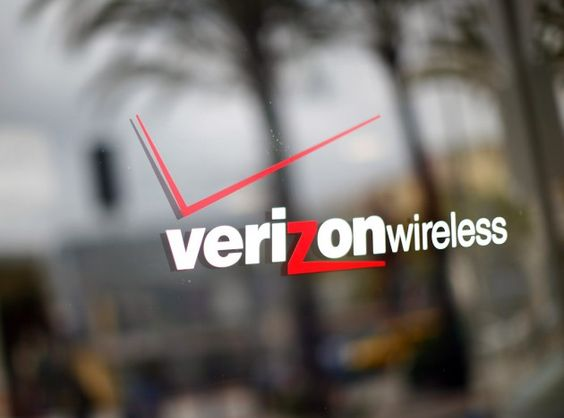 Verizon backs Apple in battle with U.S. authorities over device encryption   As some of you may have heard theres a big battle going on between Apple and U.S. authorities right now over device encryption. VerizonsChief Executive Lowell McAdam just stated that Verizonfavorsstrong encryption with no backdoors.  In case you dont know about the case heres what its all about. Apple was asked by a federal judge to figure out a unique way to unlock a users iPhone and retrieve its data. The…