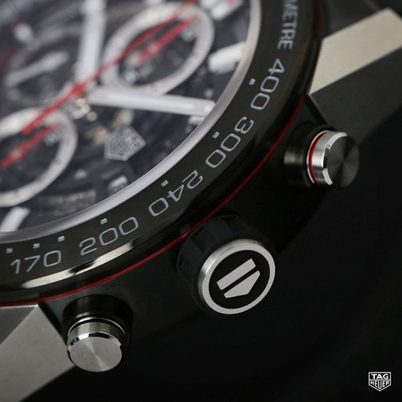 The black skeleton dial is not all the new TAG Heuer Carrera Calibre Heuer 01 bears. Check out that anthracite bezel and handy tachymeter scale!  #DontCrackUnderPressure #TAGHeuer #Heuer01 #Movement #Swissmade #Skeleton #Watch #SwissWatch #Reloj #Menstyle